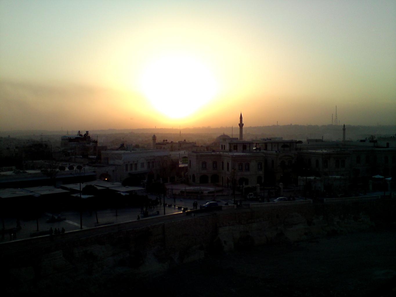Un coucher de soleil sur Alep vu depuis la Citadelle