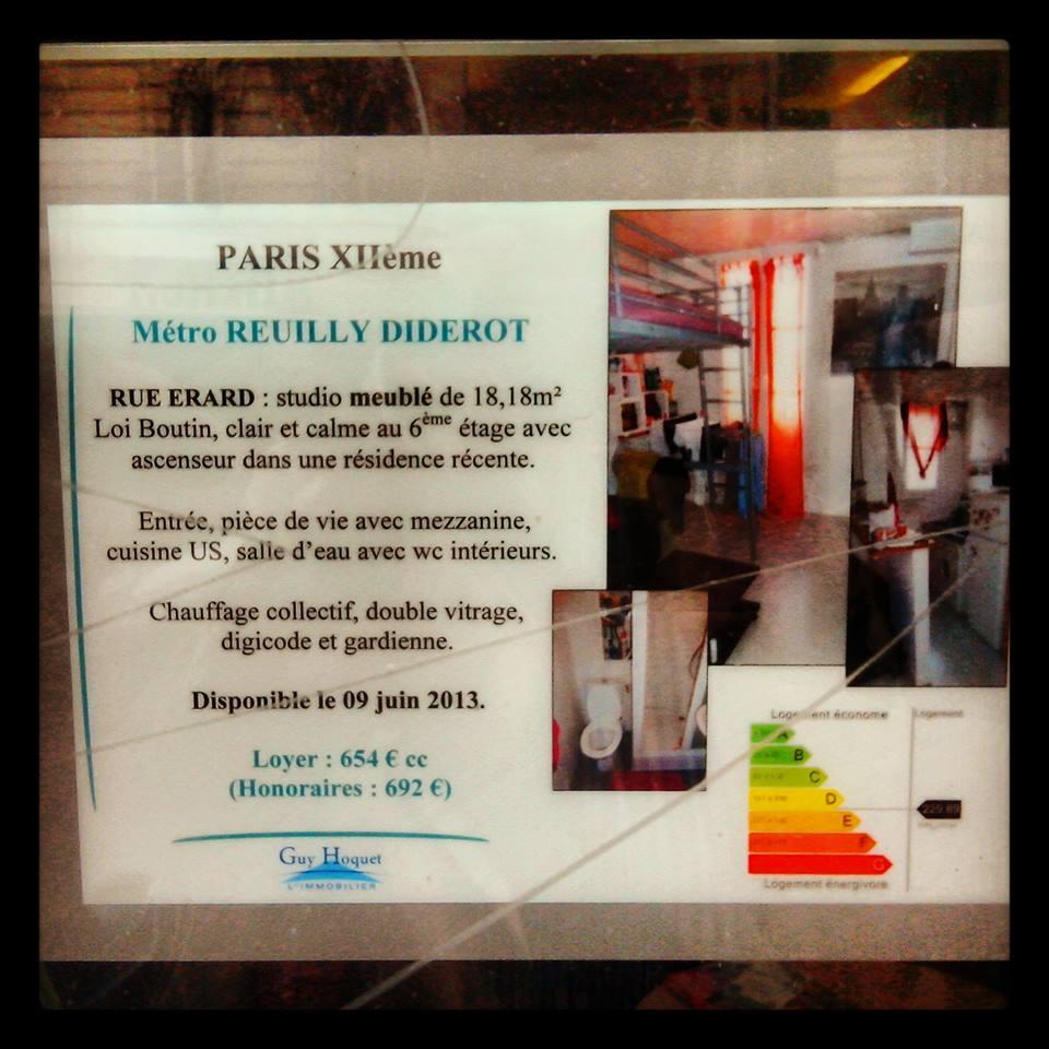 Une annonce immobilière à Paris. Il est difficile de se loger dans la Ville Lumière. Alors si en plus on doit subir des discriminations à cause de ses origines...