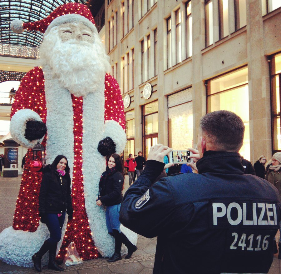 Une photo souvenir du Mall of Shame, monsieur l'agent? © Berliniquais